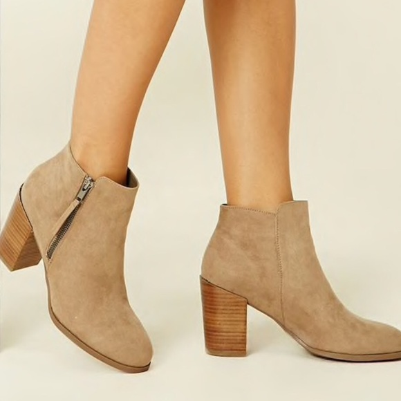 8b22f716108 Faux suede ankle booties with side zipper 🌸🌻🌼 NWT